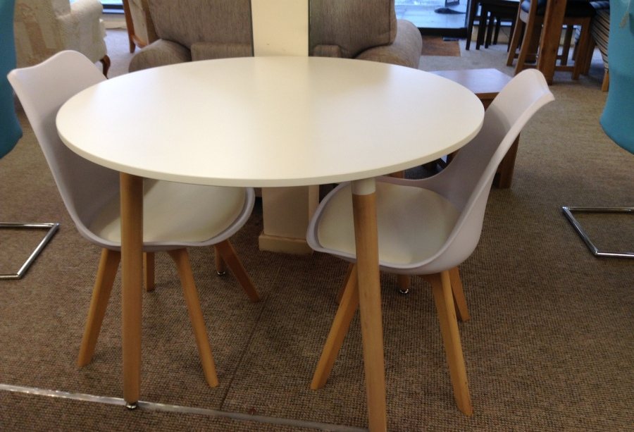 Deals In Store Now Hardwood Dining Table And 4 Chairs
